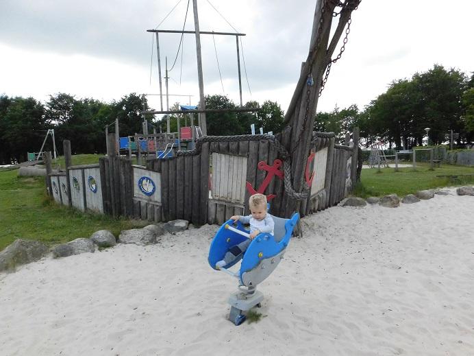 Gratis uitje in Zuid-Oost Drenthe: Speeltuin bij het Ermerstrand