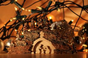 Kerst met natuurlijke materialen met producten van houtenkerststal.nl
