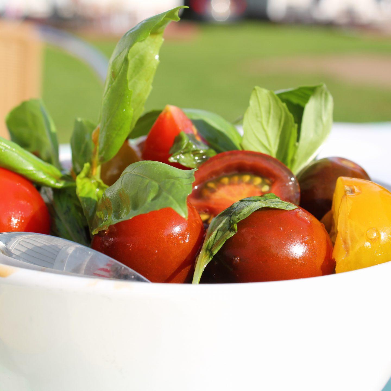 3 manieren om je kind groente te laten eten buiten het avondeten om