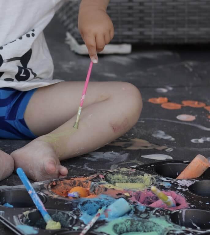 schilderen-met-stoepkrijt