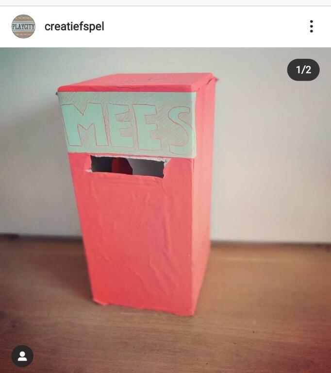 knutselen-met-een-kartonnen-doos