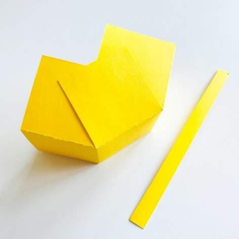 Knutselen papier mandje Een mandje